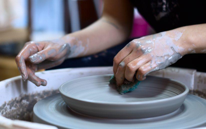 artisan-artist-clay-1675993.jpg